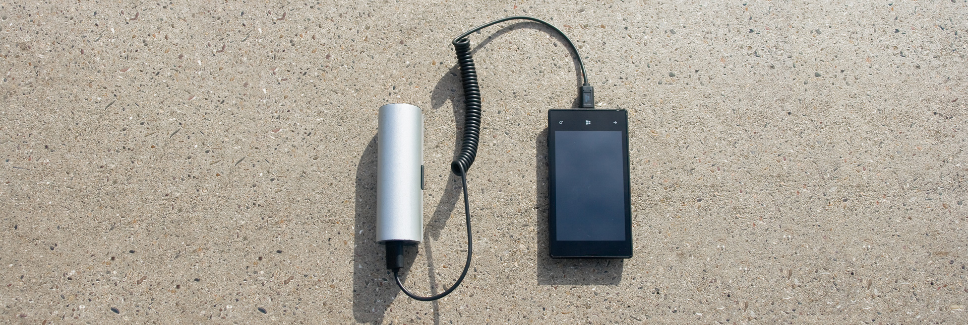 WAACS-ROLLABLE-SOLAR-CHARGER-SLIDER-4a